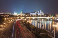 Освещает ночу Кремль в Москве Стоковые Фотографии RF