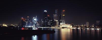 освещает ночу singapore Стоковое Изображение RF