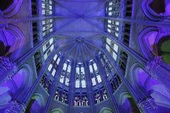 Освещение в соборе на Бове Франции стоковое фото
