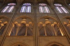 Освещение церков и окна пятна стеклянные Стоковое Изображение RF