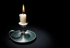 Картинки по запросу свеча в старинном подсвечнике