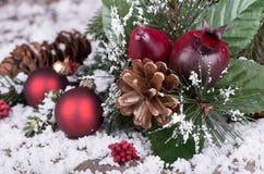 освещенный свет праздника гирлянды украшений предпосылки покрашенный шариками Стоковые Фото
