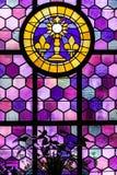 Освинцованная стеклянная форточка в старой церков стоковое изображение rf