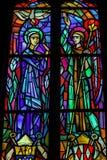 Освинцованная стеклянная форточка в старой церков стоковые изображения