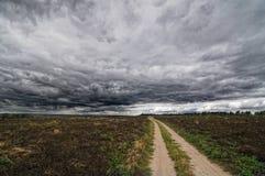 Осенние поле и небо Стоковые Фотографии RF