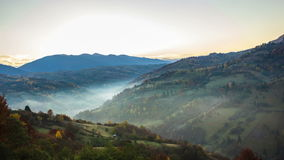 Осенний промежуток времени восхода солнца сток-видео