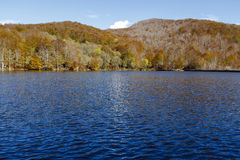 Осень в озере Санта-Фе, Montseny Испания Стоковое Изображение RF