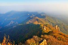 Осень захода солнца простирания гор Стоковое Изображение