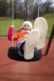 Осень качания ребенка девушки Стоковые Фотографии RF