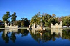 Осень на парке рощи башни Стоковые Фотографии RF