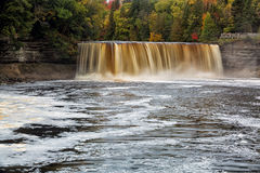 Осень на падениях Tahquamenon Стоковое Изображение