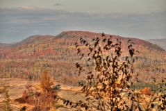 Осень на пике Carlton гор Sawtooth в северной Минесоте на северном береге Lake Superior стоковые фотографии rf