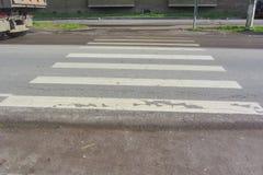 Осень 2016 России Nikol отсутствие контролируемого пешеходного перехода Стоковая Фотография RF