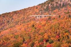 Осень Северная Каролина виадука бухты Linn горы деда стоковые фотографии rf