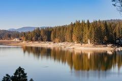 Осен озера отражение все еще Стоковая Фотография