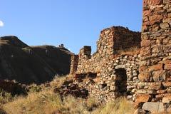 Осетинские башни в деревне Abano в ущелье Truso (Georgia) Стоковая Фотография