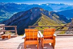 Ослабьте панораму Альп шезлонга швейцарскую, назначение горы Pilatus туристское стоковое изображение rf