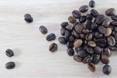 Ослабьте с чашкой кофе стоковые изображения