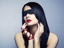 ослепите детенышей женщины портрета способа стоковые фотографии rf