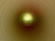 Осмотрите внутренность длинной пластичной трубки под землей Красочная ребристая стена пластичной трубы, зеленого света Стоковые Изображения