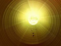 Осмотрите внутренность длинной пластичной трубки под землей Красочная ребристая стена пластичной трубы, зеленого света Стоковые Фото
