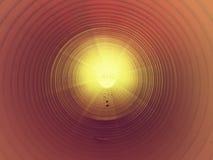 Осмотрите внутренность длинной пластичной трубки под землей Красочная ребристая стена пластичной трубы, зеленого света Стоковая Фотография RF