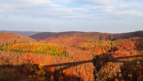 Осмотрите гору ущелья в сезоне осени, Aomori Jogakura, Японии Стоковые Изображения RF