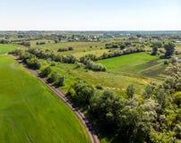 осмотрите сверху к сельской местности в лете в зоне Lipetsk в России стоковые фото