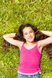 Осмотрите сверху милой девушки с длинными волосами Стоковая Фотография