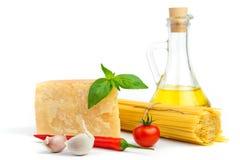 основное спагетти итальянки ингридиентов Стоковые Фотографии RF