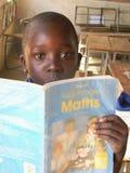 Основной учебник математики чтения школьника Стоковое Изображение RF