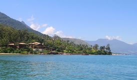 Особняк перед морем - Ilhabela - Бразилия Стоковое Изображение