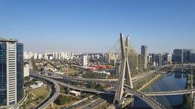 Остали мост на Сан-Паулу, Бразилии стоковые изображения rf