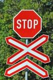 знак Стоп железнодорожный переезд