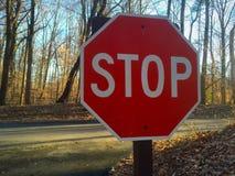 Остановите знак на перекрестке Стоковое Изображение RF