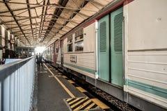 остановленный поезд Стоковые Изображения