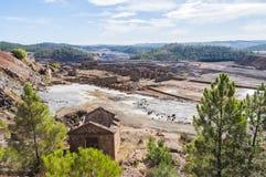 Остатки старых шахт Riotinto в Уэльве Испании стоковые фото
