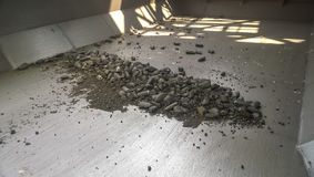 Остатки угля в заливе груза топливозаправщика Стоковые Изображения RF