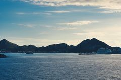 Острова увиденные от корабля на море стоковые фото