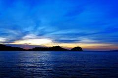Острова Togean на заходе солнца Индонезия Стоковая Фотография RF