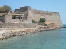 Островок камня на критском море Стоковые Фотографии RF