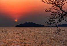 Остров бесконечной тайны стоковое изображение rf