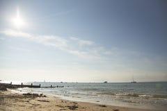 Остров белой, прибрежной сцены Стоковые Изображения RF