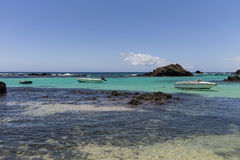 Остров воды бирюзы моторок тропический Стоковое Фото