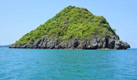 Остров в море стоковые изображения