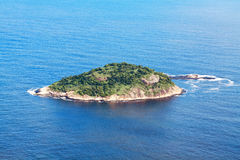 Остров в океане Стоковые Изображения RF