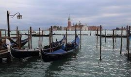 Остров гондол и Сан Giorgio Maggiore в Венеции, Италии стоковые изображения
