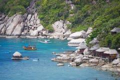 Остров Дао, Таиланд - 12-ое июня 2016: Шлюпки для принимают туристам g Стоковая Фотография