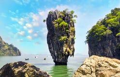 Остров Жамес Бонд горы скалы, Таиланд Стоковая Фотография RF
