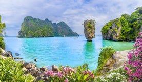 Остров Жамес Бонд на заливе Phang Nga, Таиланде стоковое фото